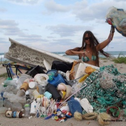 Beach pollution 19 balloons, fishing line, plastic pollution