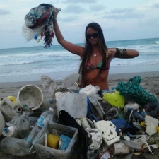 Single-use plastic pollution, balloons and more on florida beach