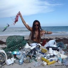 Fish net, plastic hat, single-use plastic bottles, rope, utensils and balloon ribbons.