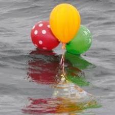 3 latex and 1 mylar balloon in ocean - Plymouth, Massachusetts