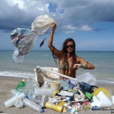 Balloons, Plastic and other marine debris on beach