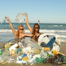 Today's beach cleanup: fan, plastic pollutions, fishing gear and balloons