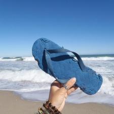 Bit-up flip-flop found on Florida Beach