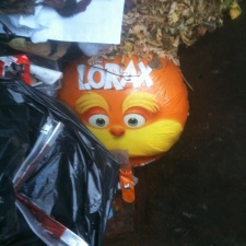 Mylar Lorax balloon polluting beach
