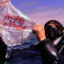 Scuba diver finds mylar balloon in the ocean El Monte, California